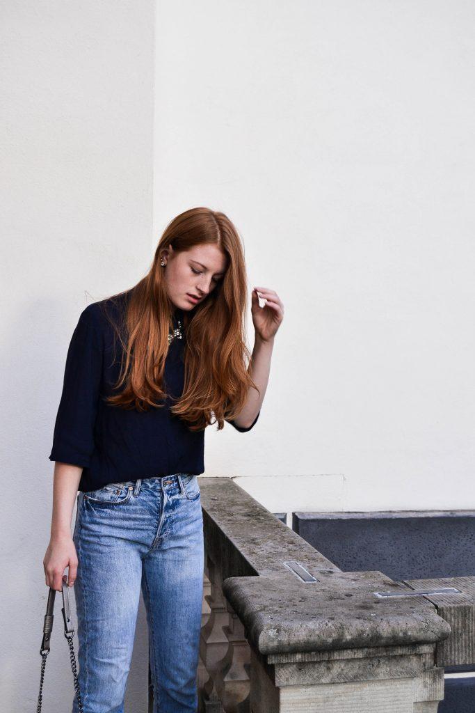 mom jeans richtig kombinieren garantiert stylisch aussehen fit anny. Black Bedroom Furniture Sets. Home Design Ideas