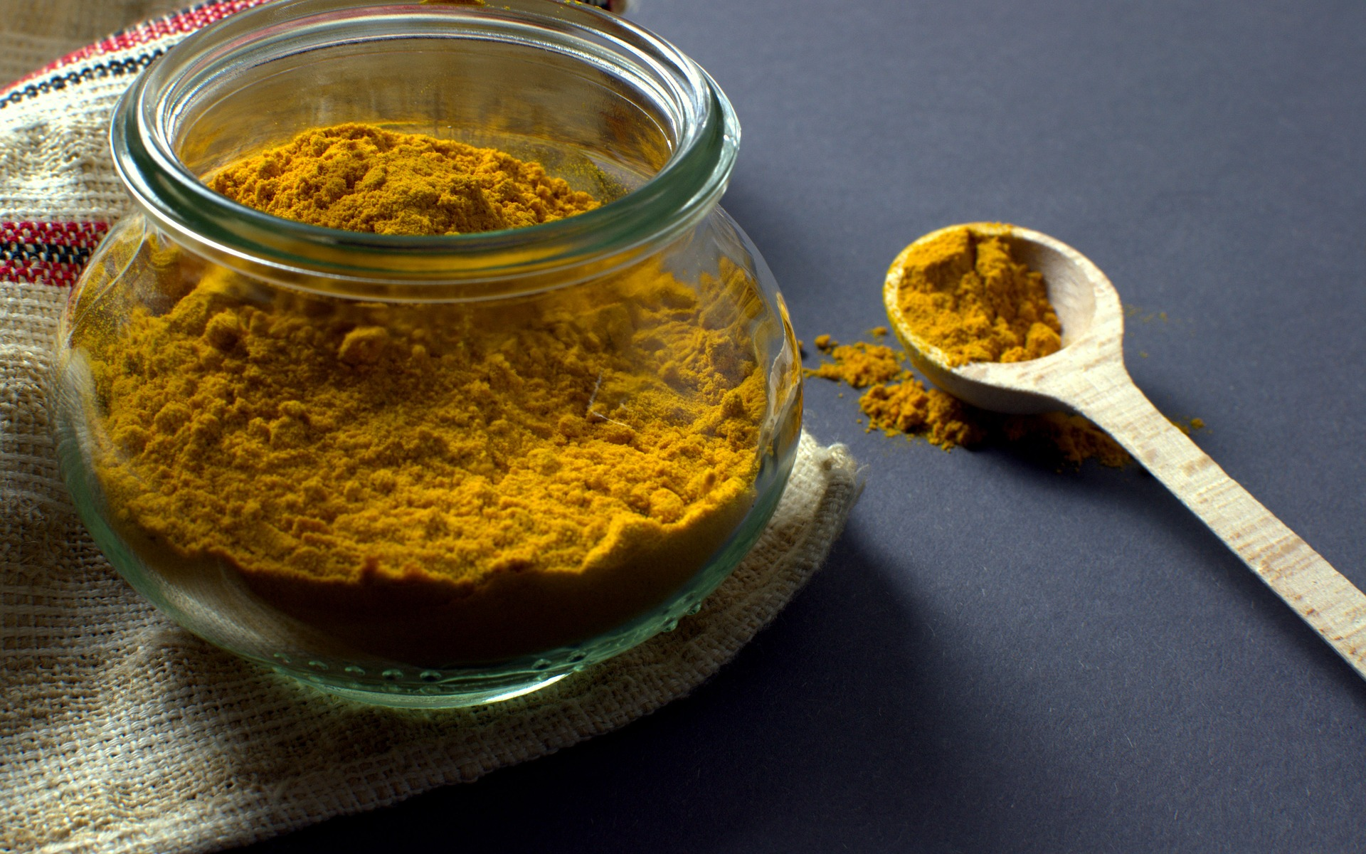 The healing power of turmeric/ Die heilende Wirkung von Kurkuma